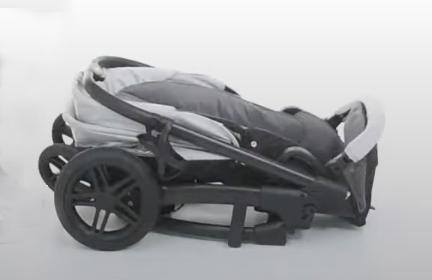 Der Hauck Saturn kann mit Buggysitz zusammengeklappt werden
